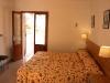 es-pins-bedroom