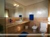 Maxorata Beach Apartments bathroom